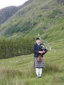 Bagpipes at Ben Nevis — Stock Photo