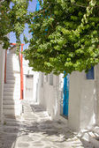 Traditional street of the greek island Mykonos in Greece — Stock Photo