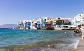 Traditional houses by the sea in Mykonos — Stock Photo