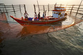 Fishing activities at the mouth of Mae Klong River, Thailand — Stock Photo