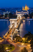 Chain Bridge and Danbue in the night, Budapest — Stock Photo