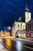 Igreja de negros em tempo de inverno, brasov, roménia — Foto Stock