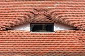 Detalle de la arquitectura de techo en sibiu, transilvania — Foto de Stock