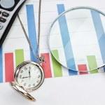 Graphic statistics businessman accessories. — Stock Photo