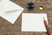 Accessories for writing letters to ancient pen. — Stock Photo
