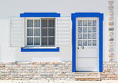Ancient classical Portuguese architecture doors and windows. Lai — Stock Photo
