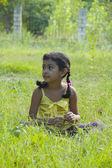 Sladká holčička venku — Stock fotografie