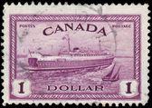 Канада - около 1946: марку, напечатанную в Канаде показывает f поезд — Стоковое фото