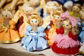 Barevná běloruské slaměné panenky na trh v bělorusku — Stock fotografie