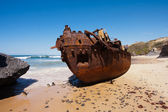 Wrecked ship — Stock Photo