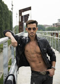 Handsome man outdoor in urban environment — Stock Photo