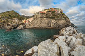 Village of Manarola, on the Cinque Terre coast of Italy — Stock Photo