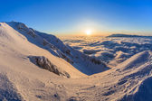 Piatra craiului berg, rumänien — Stockfoto