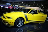 Ford Boss 302 yellow — Stock Photo