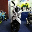White ducati motorcycle biz — Photo