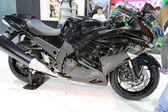Motorcycle kawasaki ninja black model ZX-14R — Stock Photo
