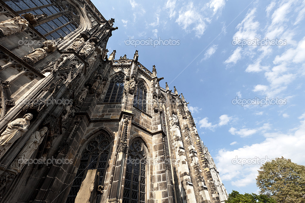 aachen cathedral aachen aix la chapelle aken imperial imperial cathedral church gothic monument pos stock image aix la chapelle cathedral