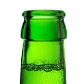 Beer bottle bottleneck bubbles condensation dripping green chilly dew brewery disco summer party — Zdjęcie stockowe