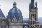 Aachen Aachener Dom Aix-la-Chapelle UNESCO-Welterbe Kaiserdom kaiser sehenswürdigkeit gotik kirche — Foto de Stock