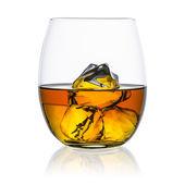 Whisky eisfreie Glas Platte isoliert Bourbon schaukelt Schottland alkoholischen Geist Tennessee — Stockfoto