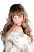 年轻漂亮的女人在毛皮大衣 — 图库照片