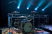 Drumstel op het podium — Stockfoto