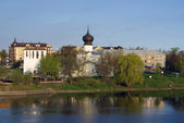 Pskov. Church of the Assumption of the ferry — Stock Photo