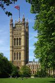 вестминстерский дворец в лондоне — Стоковое фото