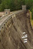 The dam at Lake Laggan, Scotland — Stock Photo