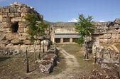 Ruinas de antigua hierapolis, pamukkale. turquía — Foto de Stock
