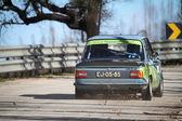 LEIRIA, PORTUGAL - FEBRUARY 2: Alberto Pereira drives a BMW 1602 during 2013 Amateur Winter Rally, in Leiria, Portugal on February 2, 2013. — Stockfoto
