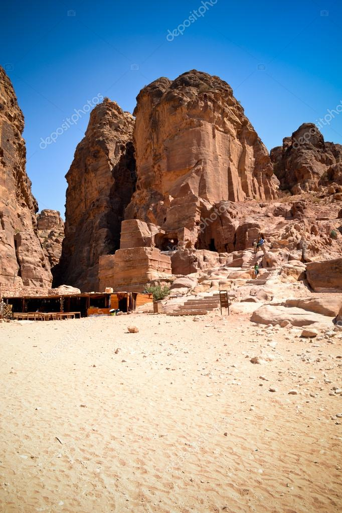 Monument in Petra — Stock Photo #19108257
