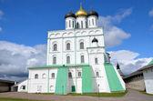 Troitckiy cathedral in Pskov. — Stock Photo