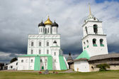 Troitckiy cathedral in Pskov. — Stock Photo