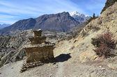 Nepal, trekking around Anapurna. Old village Giaru. — Stockfoto