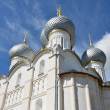 Uspenskiy cathedral  in Rostov kremlin. Golden ring of Russia. — Stock Photo