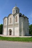 Dmitrovsky cathédrale de vladimir, xii siècle. anneau d'or de la russie. — Photo