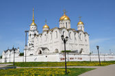 Uspensky Cathedral in Vladimir, 12 century. Golden ring of Russia. — Stock Photo