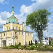 Gate church in Nicolsky monastery in Pereslavl Zalessky, Golden ring of Russia. — Stockfoto #28525535