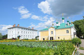 St. Nicholas monastery in Pereslavl Zalessky, the Church of the Annunciation and new monastic enclosure — Stock Photo
