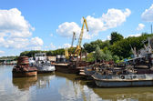 Russia, Ryazan, Drain well written-off river ships on the bank of Oka, — Stock Photo