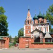 Mikhail Archangel Church in Yaroslavl, 17 century, golden ring of Russia — Foto de stock #30186783