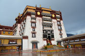 Tibet, the Potala Palace in Lhasa, the residence of the Dalai Lamas — Stock Photo