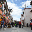 Tibet, Lhasa, people commit bark on Barkor street surrounding the Jokhang — Stock Photo