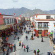 Tibet, ancient Barkhor Street surrounding the Jokhang temple in Lhasa — Lizenzfreies Foto