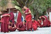 Tibet, Sera monastery near Lhasa, debating monks. — Foto Stock