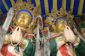 Tibet, Drag Verpa monastery in the caves not far from Lhasa, sculpture of budda. — Stock Photo