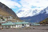 Nepal, Himalaia, o hamlet de khumjung no vale de khumbu — Fotografia Stock