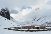 Nepal, trekking in the Himalayas, the village of Macermo, 4100 meters above sea level — Stockfoto