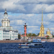 St. Petersburg, Universitetskaya embankment — ストック写真